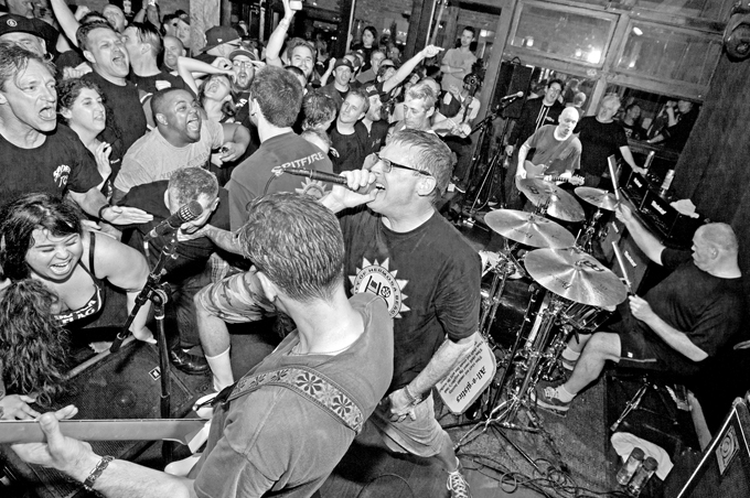 DESCENDENTS Eatons Hill Hotel And Function Centre